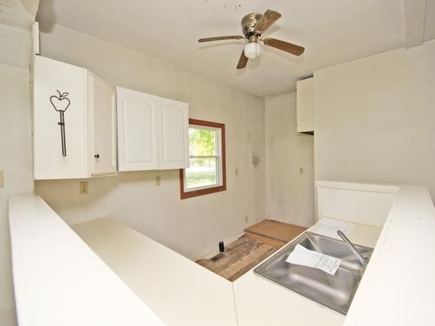 263-295517-kitchen 2