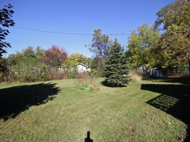 263-295517-side yard